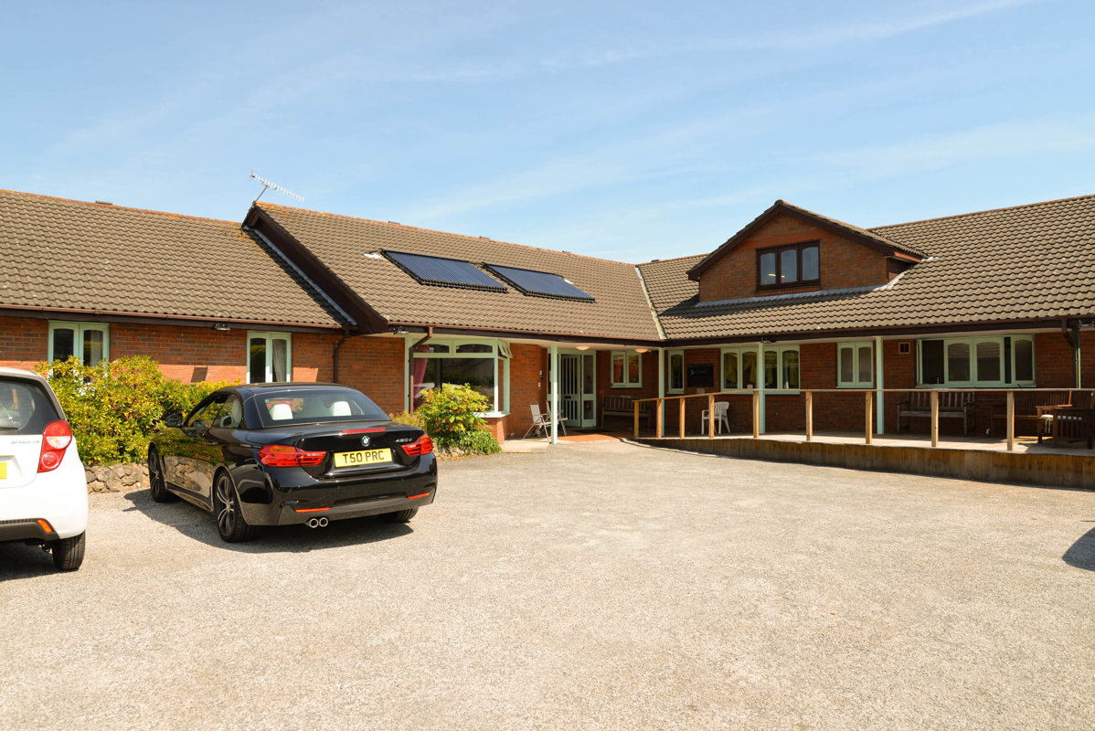 For sale retirement home located in Freckleton, UK!