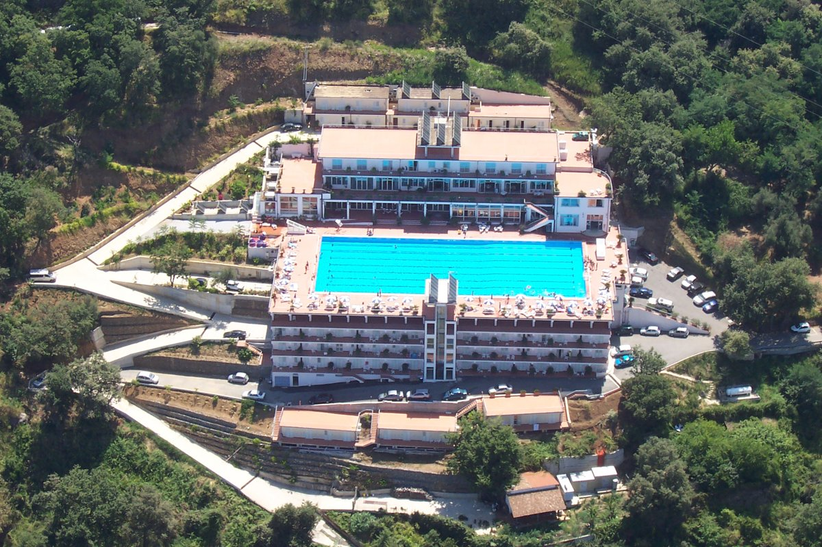 For sale 4* hotel in Italy!